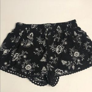 Black and White Floral Short